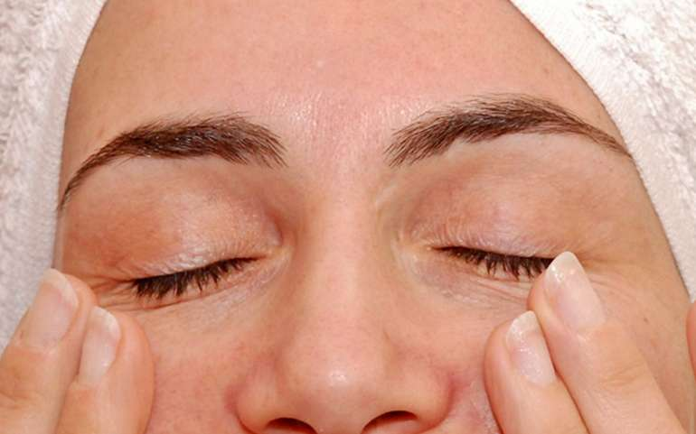 Avete mai provato Psiche per un bel massaggio contorno occhi?